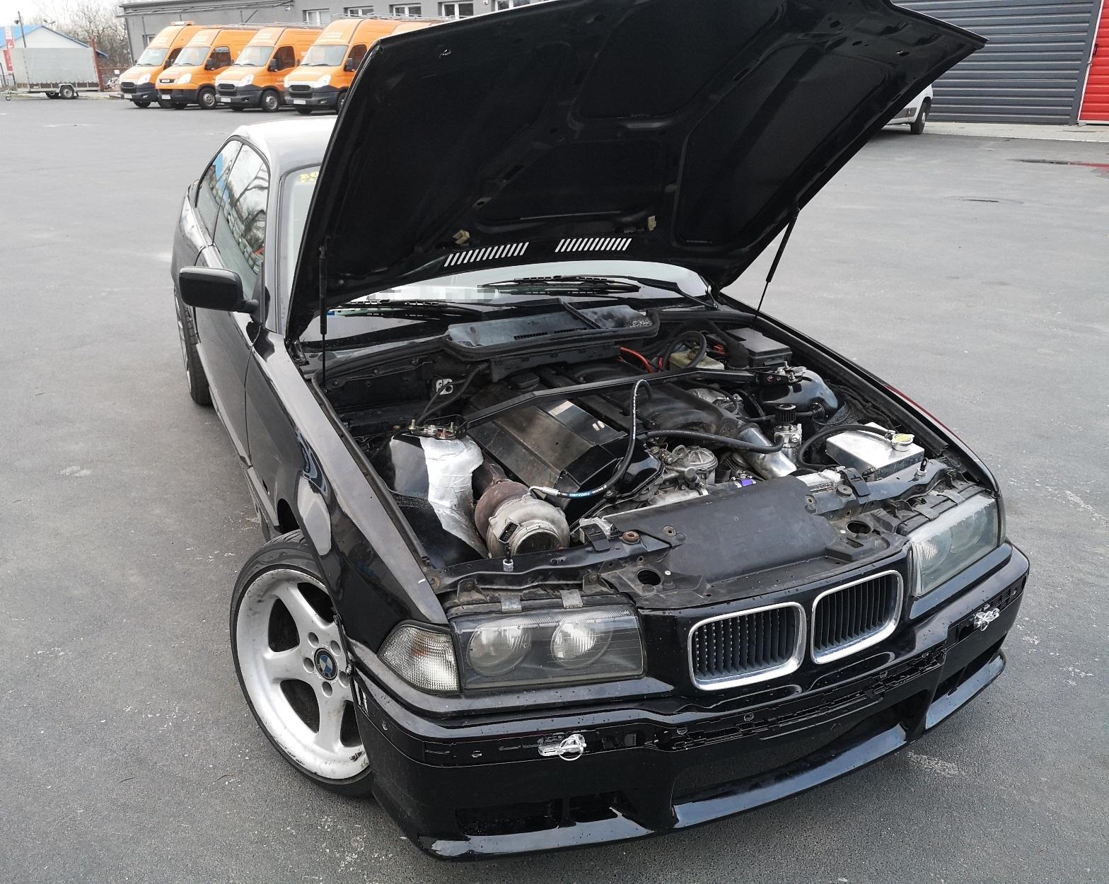 Pod maską E36 Turbo