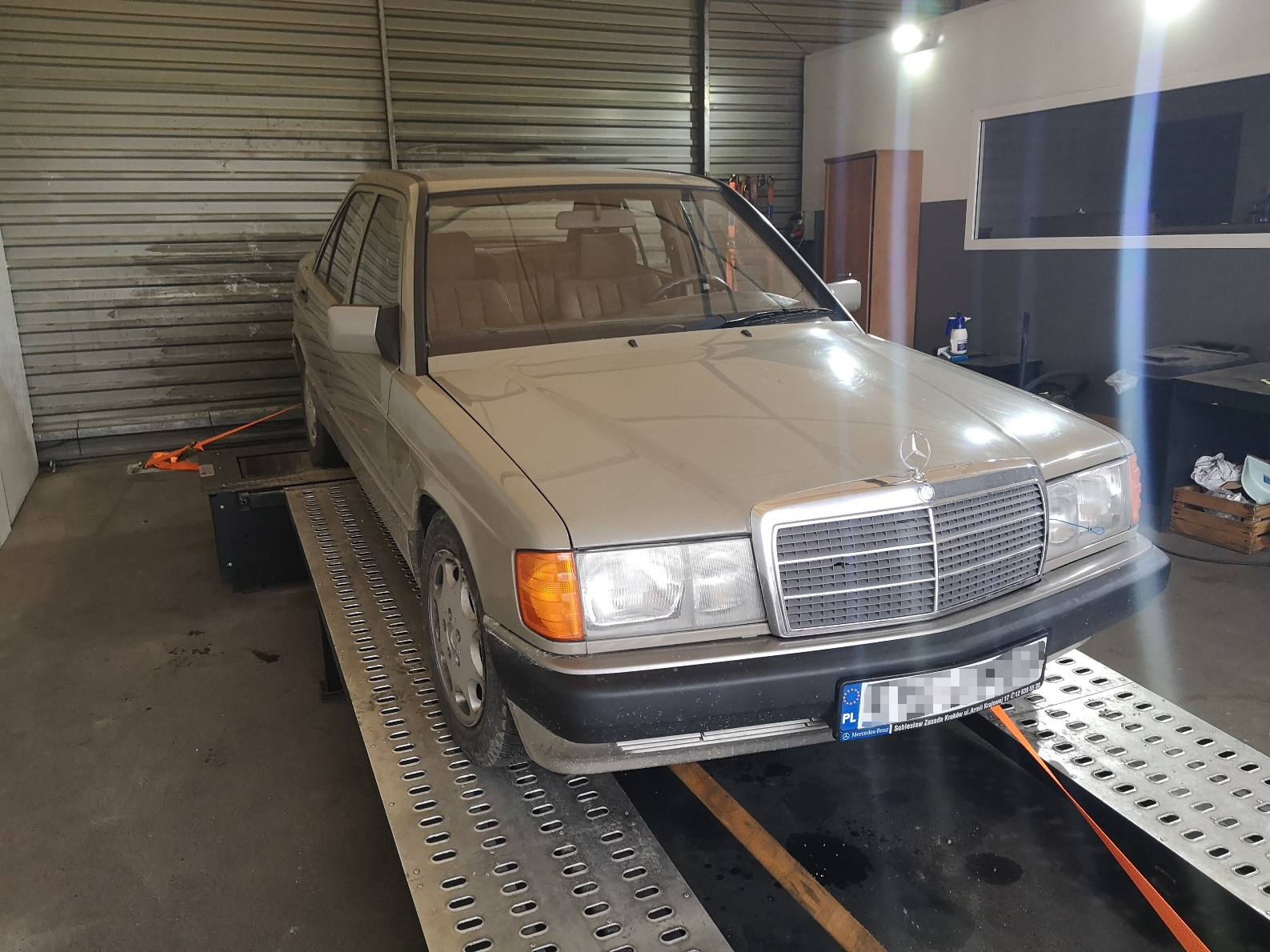 Mercedes 190 (W201) M104 3.2L >>240KM 337Nm