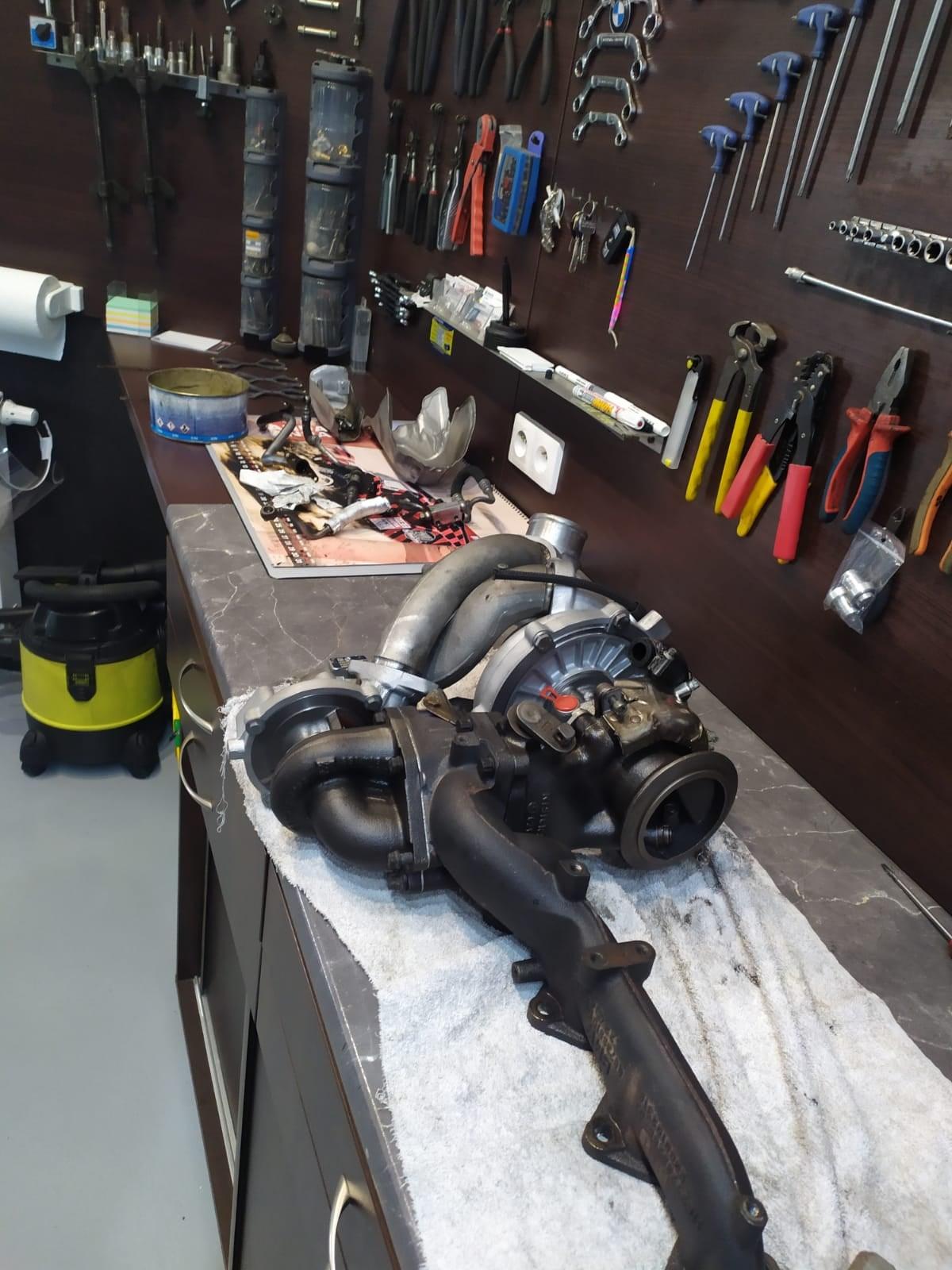 turbosprężarka hybrydowa