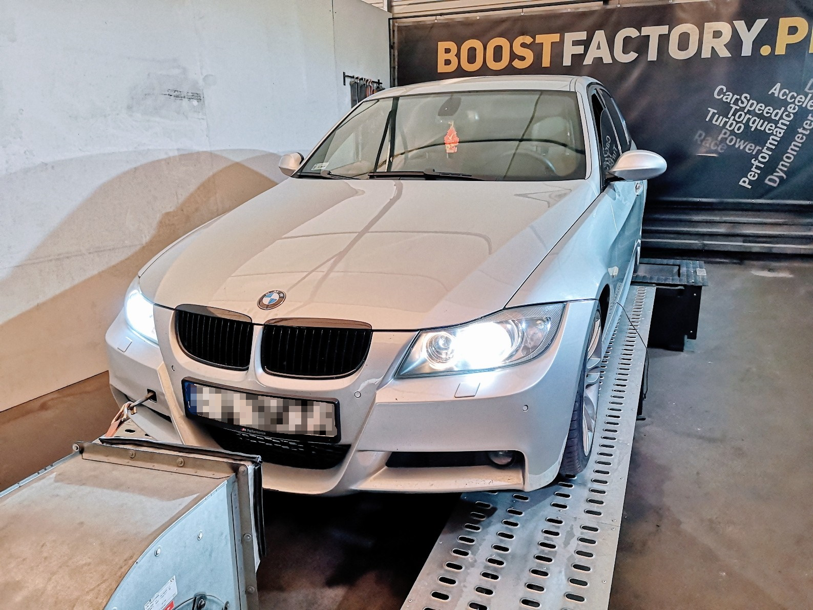 BMW E90 330D 231KM >> 301KM 647Nm